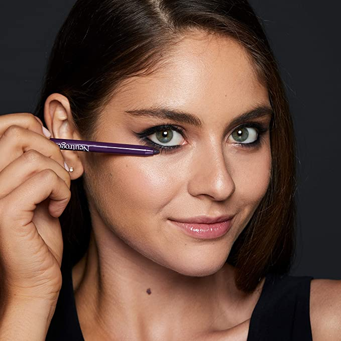 Neutrogena Smokey Kohl Eyeliner with Antioxidant Vitamin E, Water-Resistant